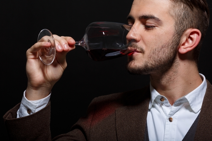 6 Red Wine Drinking Tips to Enhance the Taste