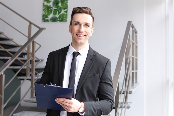 8 Ways on How to Get a Job as a Real Estate Agent